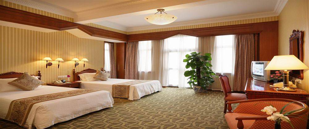 Hotel concession fee recovery