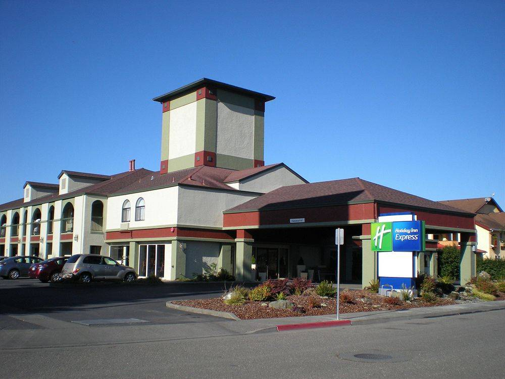 Holiday Inn Express Fortuna (Ferndale Area)