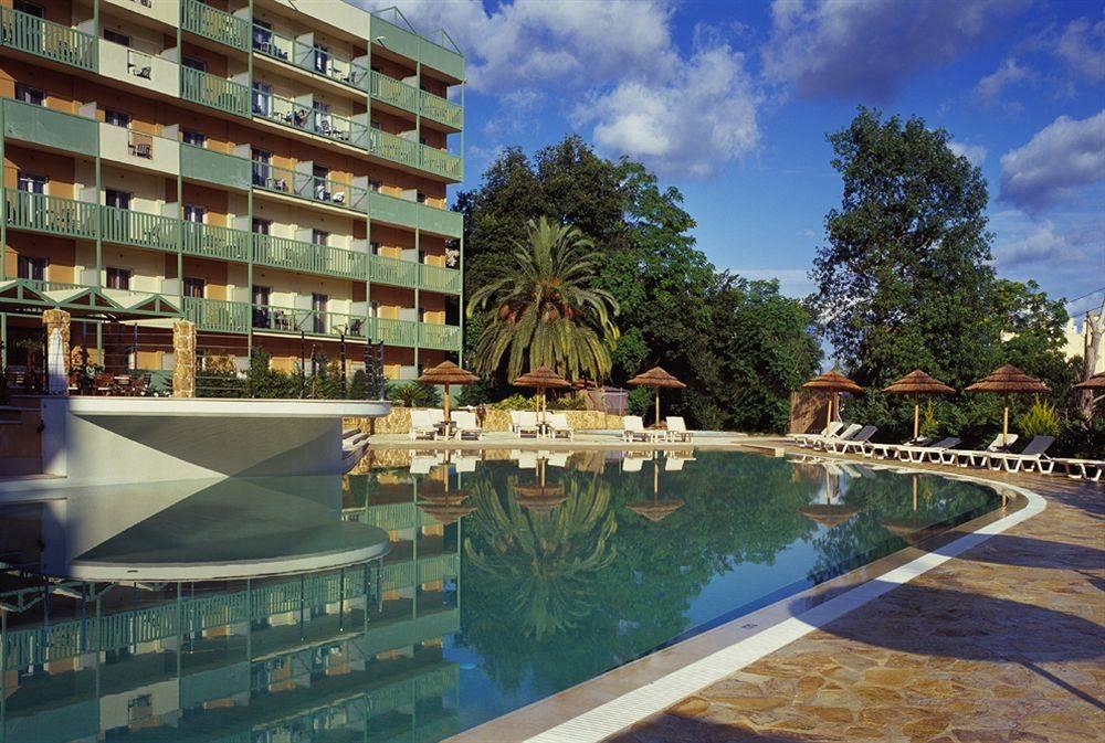Ariti grand hotel корфу