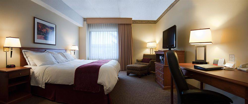 radisson paper valley Radisson paper valley hotel add business login whether you're visiting appleton for a conference, getaway or college visit, the radisson paper valley hotel places you within walking.
