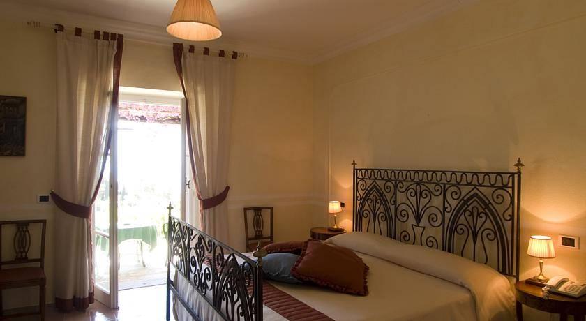 Acquistare un hotel a Maratea sulla linea 1