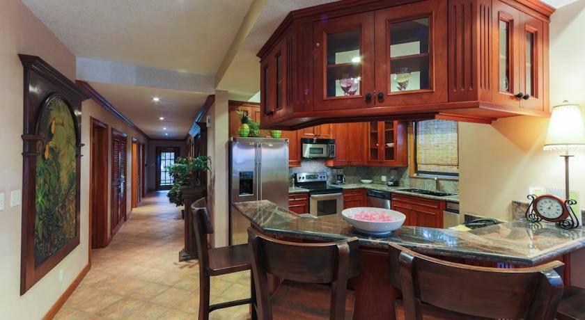 Дизайн интерьера кухни в коридоре: фото варианты.