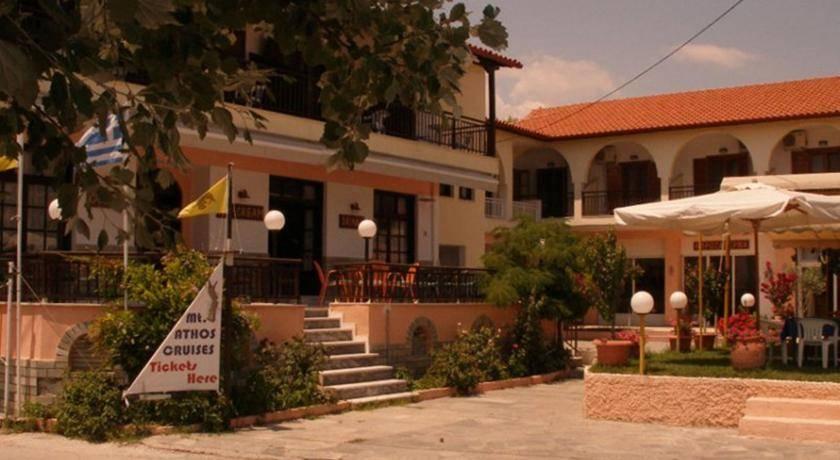Land in the island Ormos Panagias prices