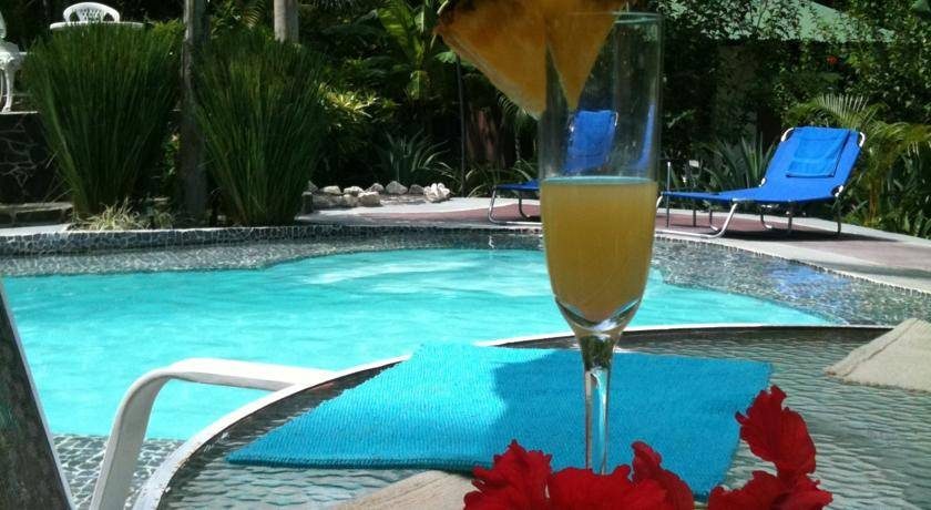 La Tropicale Beach Lodge