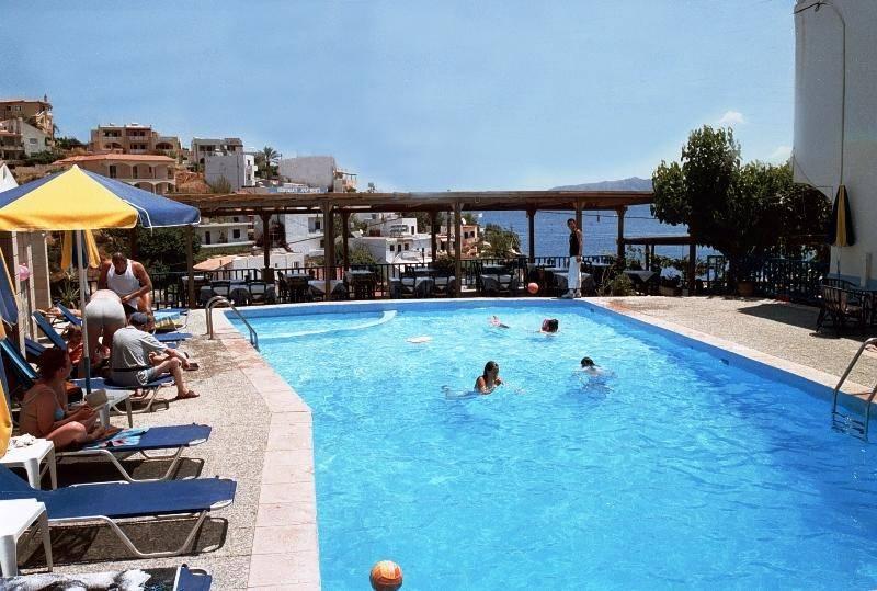 Sofia mythos beach крит