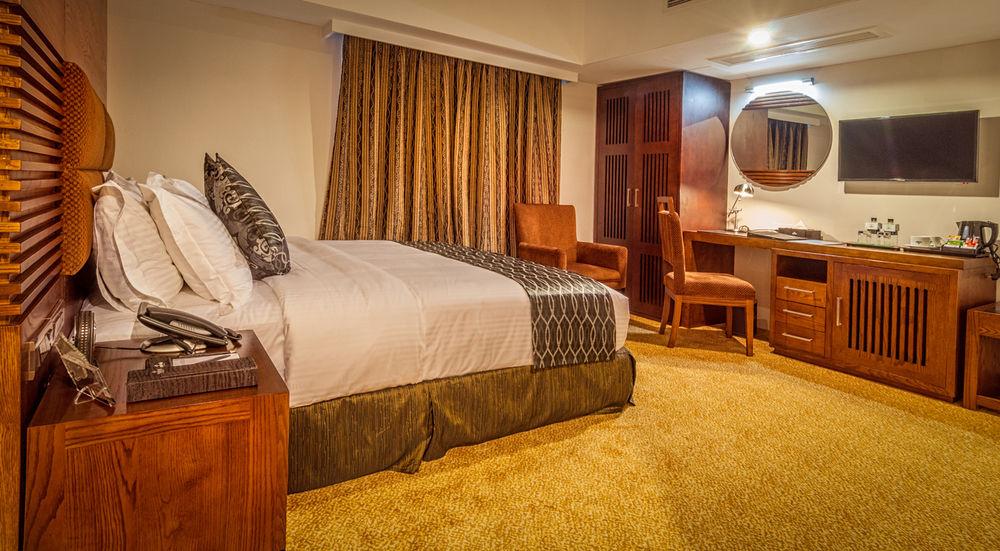 hotels for room dating in dhaka Best dhaka city hotels on tripadvisor: find 7,682 traveller reviews, 4,635 candid photos, and prices for hotels in dhaka city, bangladesh.