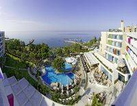 THE MEDITERRANEAN BEACH HOTEL L