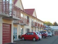 B-K's Motor Lodge