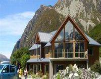 Aoraki/Mount Cook Alpine Lodge