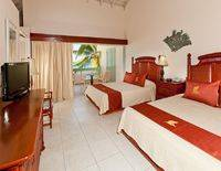 Long Bay Beach Resort & Villa