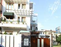 Luxury Suites and Hotels-Jacaranda Marg