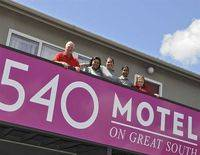 540 on Great South Motel