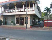 Paradiso Inn Apartments & Rooms