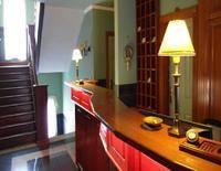 Platán Hotel & Étterem