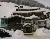 Familien- und Sporthotel Höhlenstein
