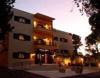 Villa Carmel Boutique Hotel