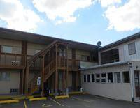 Trailway Motel - Fairview Heights