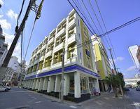 Okinawa Kariyushi LCH. Izumizaki Kenchomae
