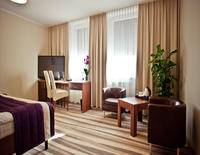 TOP HOTEL AIRPORT MODLIN