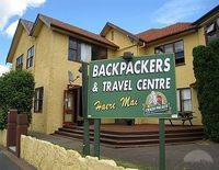 Crash Palace Backpackers - Hostel