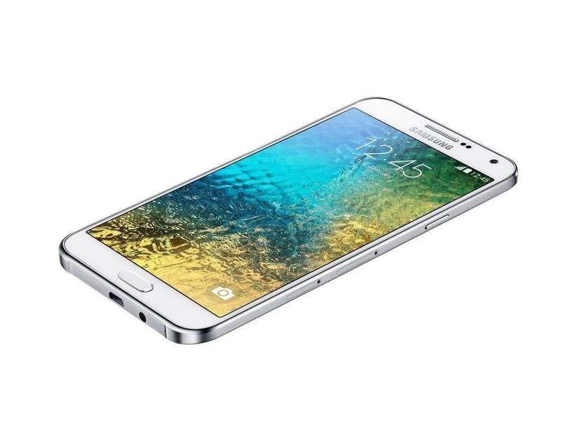 Galaxy E7 Genel