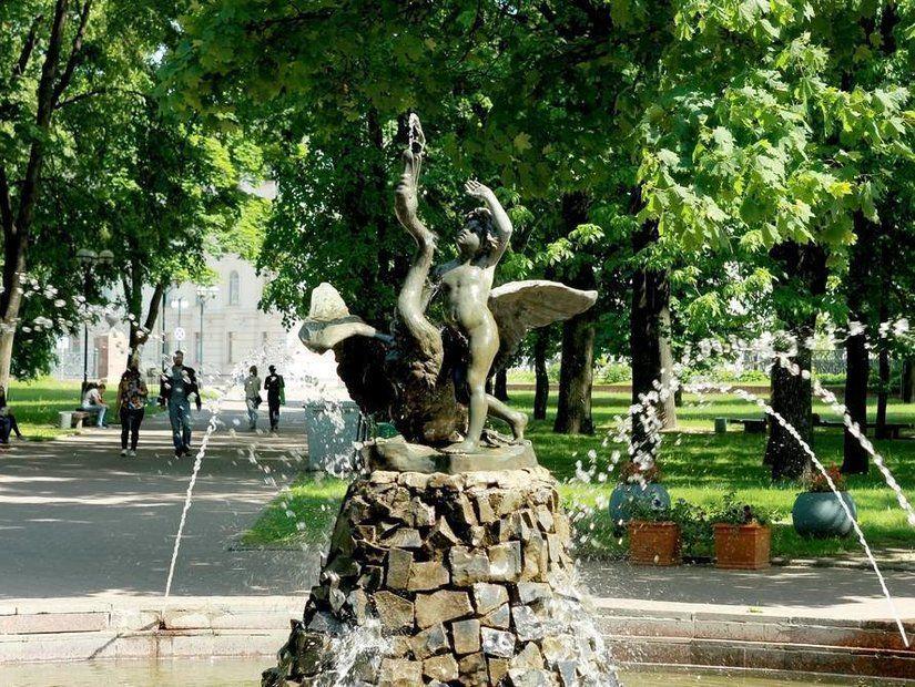 Aleksandrovsky Meydanı