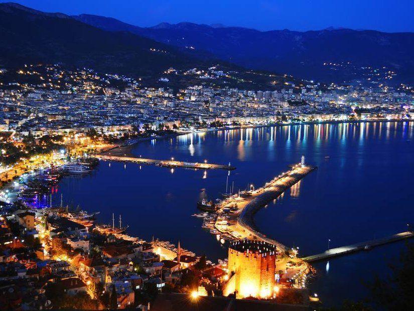 6- Kıbrıs'ta yeni yıl eğlencelerine yolculuk 120 TL'den itibaren