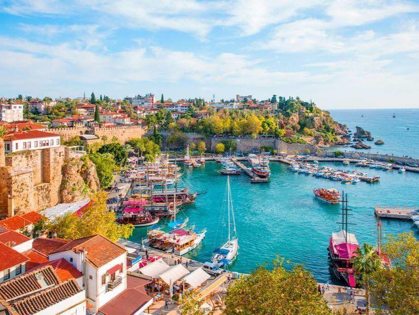 Antalya'ya 64 TL'den başlayan fiyatlarla