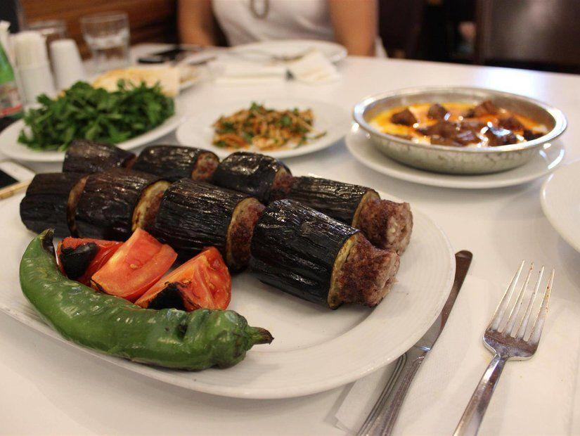 Gaziantep'te gün akşam yemeği için akıyor