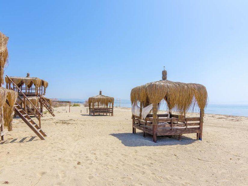 3- Ayvalık plajlarında deniz keyfi