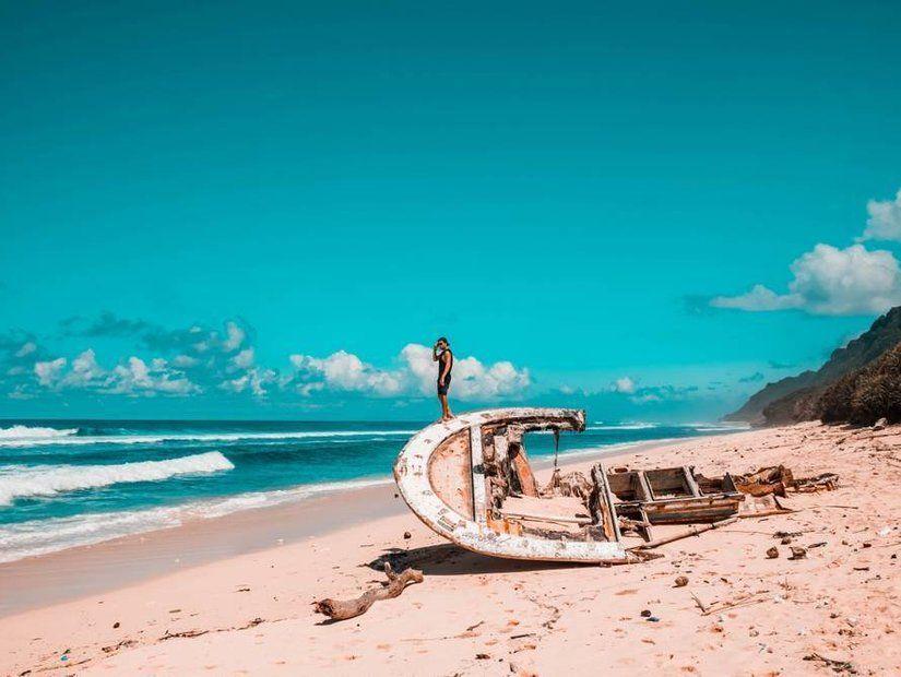 6- Benzersiz şelaleler ve plajlar