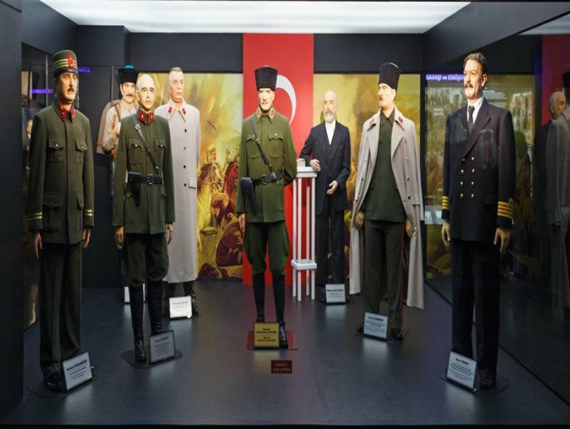 Balmumu Müzesi çok canlı!