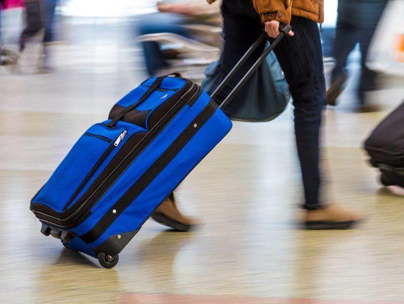Bavul sırasına gitmek için acele edin