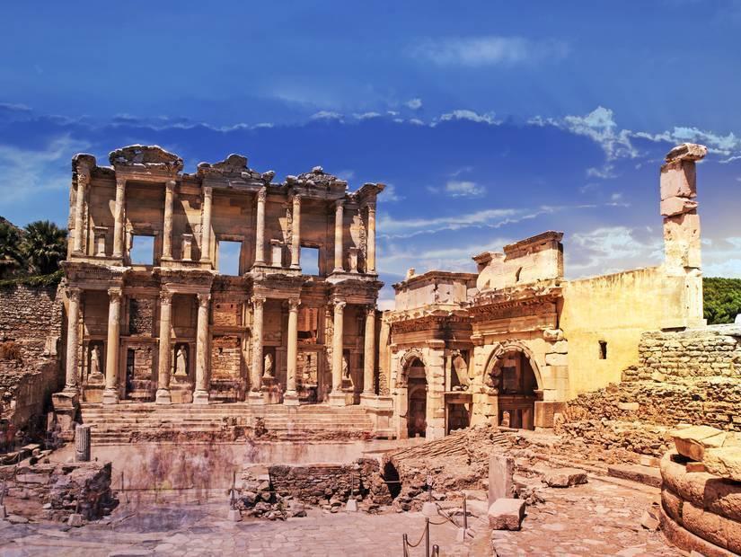 2- Efes Müzesi – İzmir