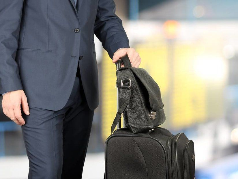 2- Metallar el bagajına