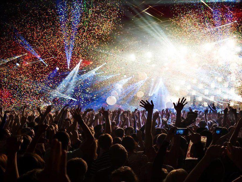 3- Ücretsiz festivallere katıl
