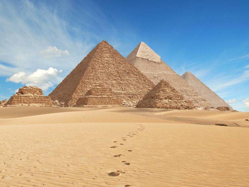 10- Giza Piramitleri – Mısır
