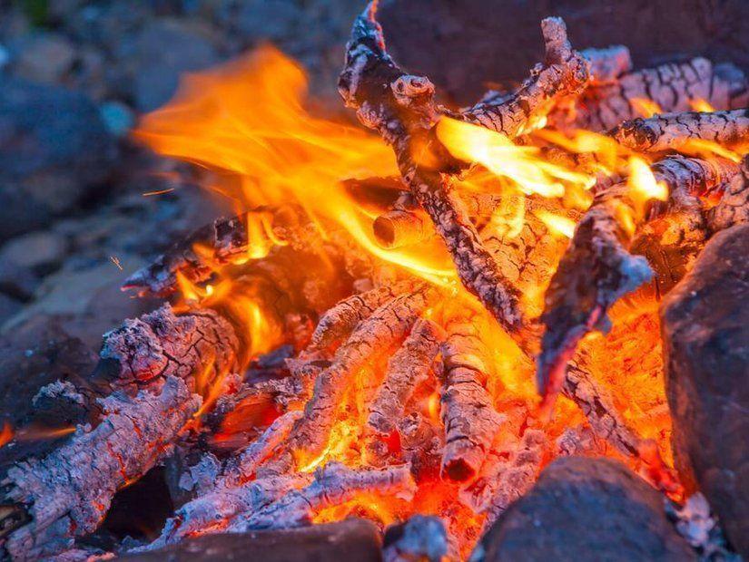 1. İskoçya'da ateş topları ile yapılan geçit töreni