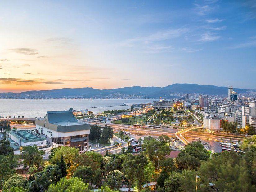1- İzmir'e Kasım ayına özel 48 TL'den başlayan fırsatlar