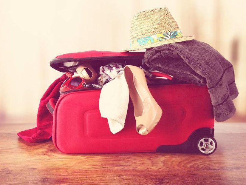 Renkli ve desenli bavullar