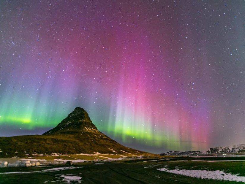 2- Kutup ışıkları hangi renklerde olur?