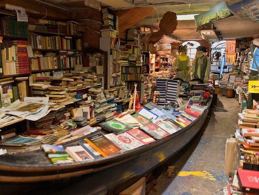 4- Libreria Acqua Alta