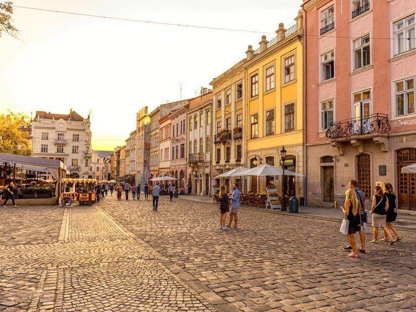 1- Kültür ve sanatsız yaşayamayanların adresi Lviv