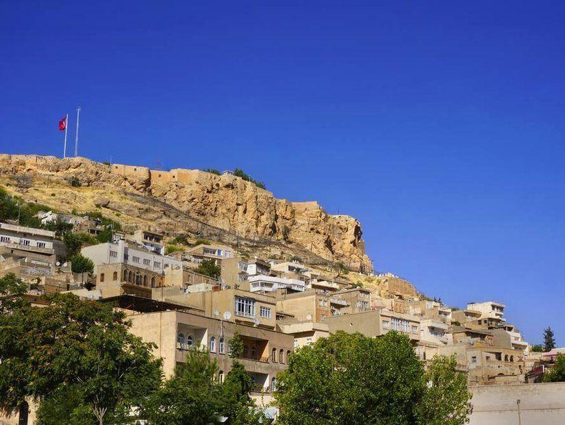 3- Şehrin tarihi sembolü Mardin Kalesi