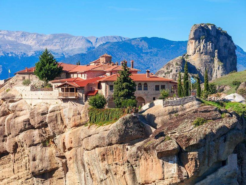 1- Meteora Manastırları