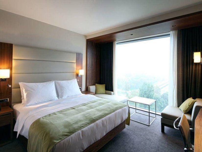 1. Otelinizi ve odanızı tatil planınıza göre seçin.