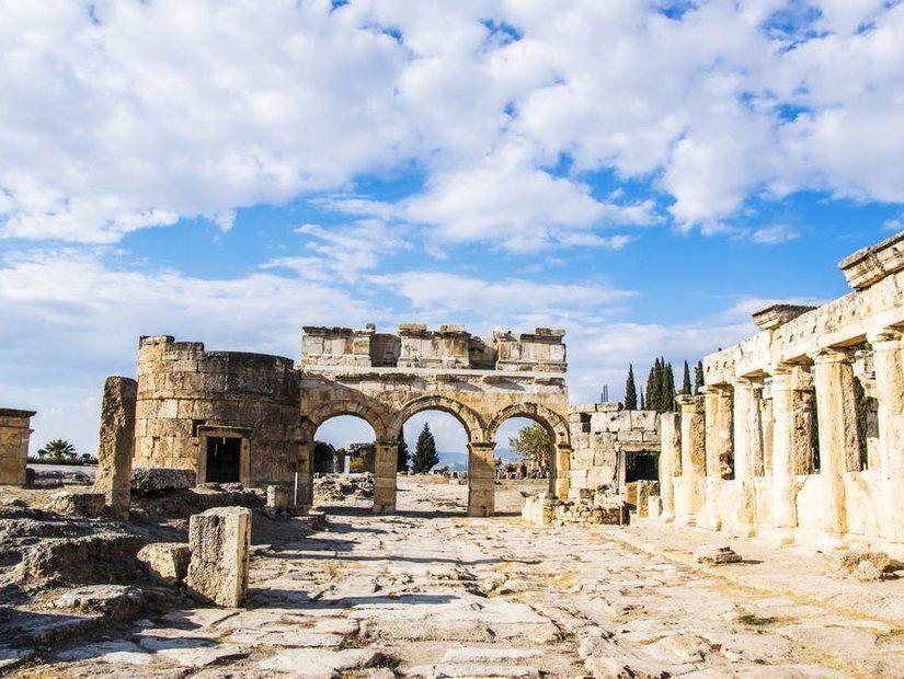 2- Hierapolis'te eski çağlara yolculuk
