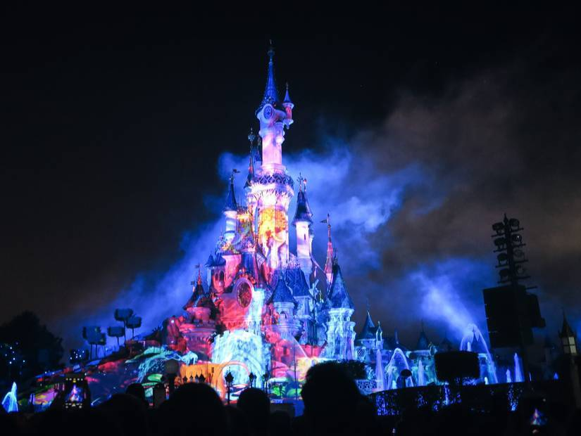Paris'te Disneyland turu