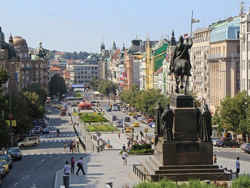 7- Şehrin iki sembolü: Prag Kalesi ve Aziz Vitus Katedrali
