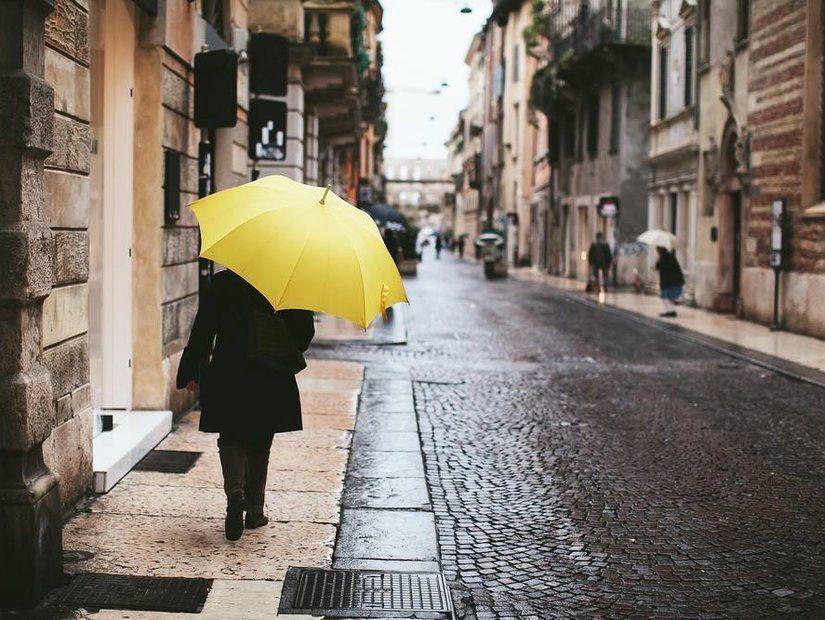 3- Islanmadan gezmek için şemsiye
